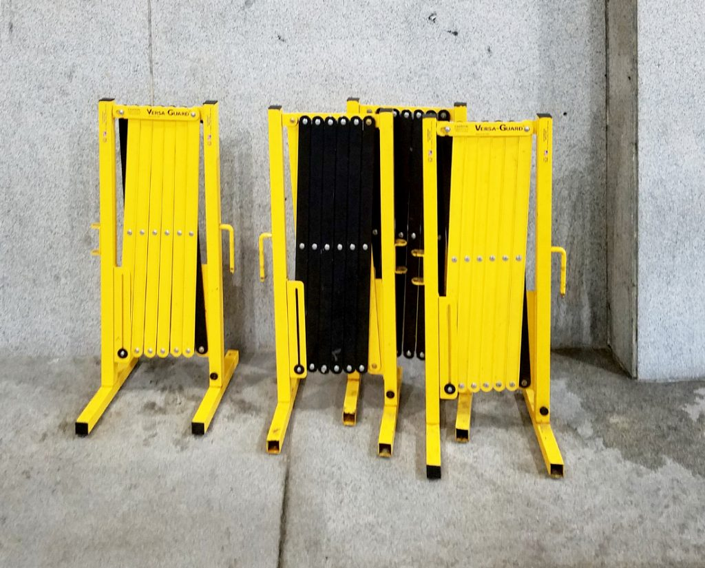 collapsing portable barricades
